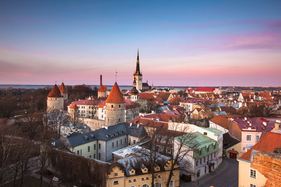 The-official-photographers-estonia-old-town-tallinn-sunset