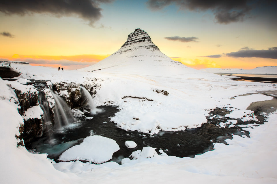 The-official-photographers-iceland-sunrise-Beautiful-Kirkjufell-Mountain