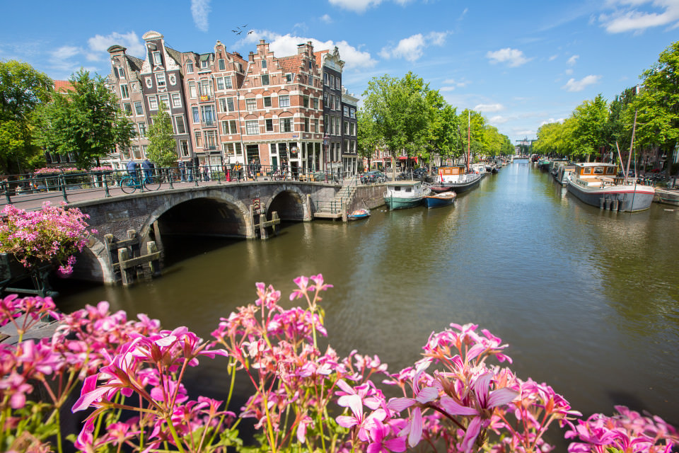 The-official-photographers-Holland-Amsterdam-canal