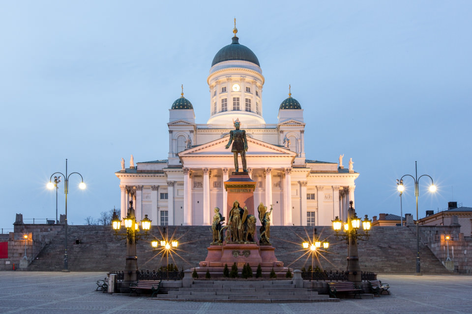 The-official-photographers-finland-helsinki-night-temple