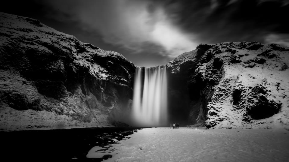 The-official-photographers-iceland skogafoss-black-white-long-exposure