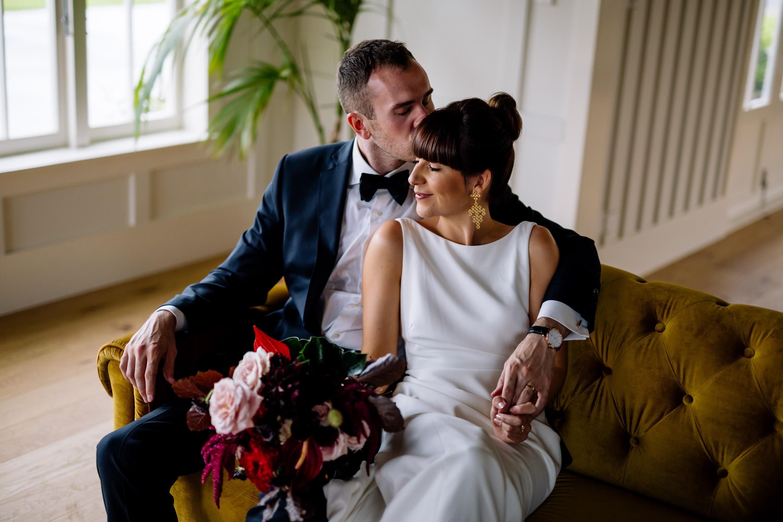 waiheke island wedding photo of couple at mudbrick winery